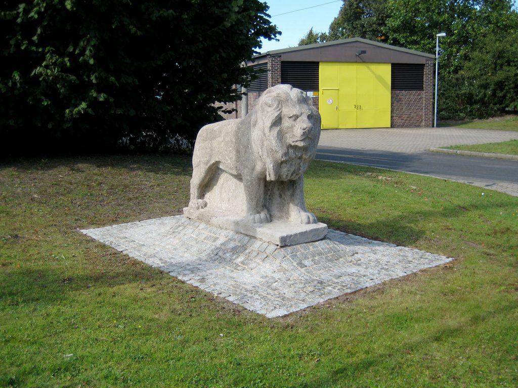 Naturstein_Skulptur_Loewe