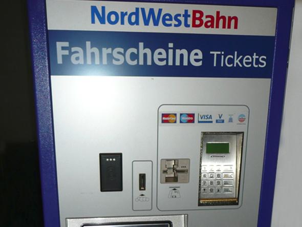 busse-und_zuege_590_fahrscheinautomat